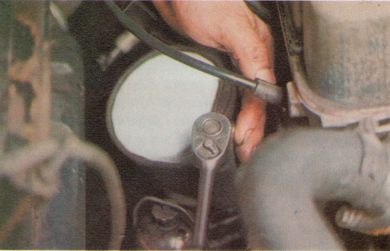 How to change an Oil Filter on a Classic Car
