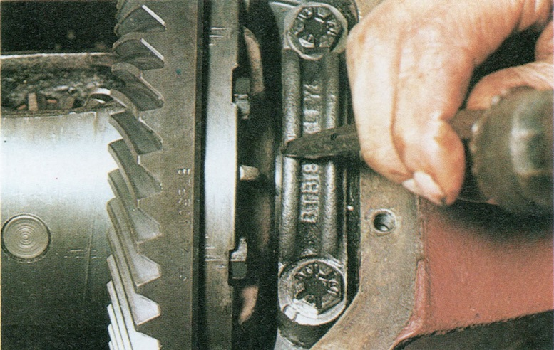 How To Remove An MGB Differential
