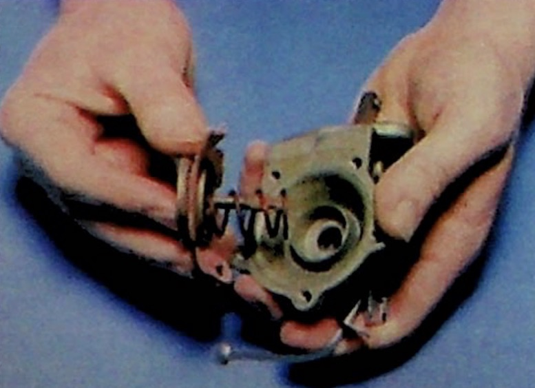 How To Overhaul A Mechanical Fuel Pump On A Classic Car
